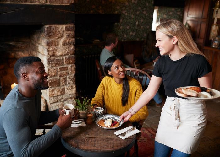INFA Serveur en café, hôtel, restaurant (H/F)